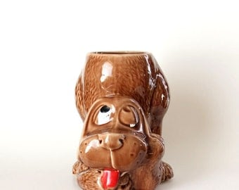 derpy vintage dog planter . basset hound planter . vintage McCoy pottery container