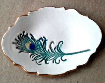 Ceramic Ring Dish Feather engagement ring holder edged in gold