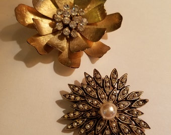 20% OFF Vintage Lot of Two Rhinestone Gold Flower Brooches Pins