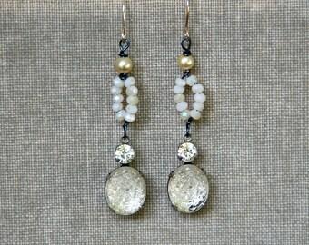 Wedding earrings /art deco crystal earrings/ pearl earrings / romantic earrings. Tiedupmemories