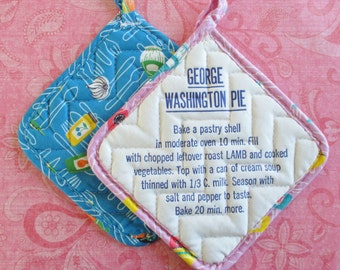 Pair of Retro Vintage Pot Holders with Recipes