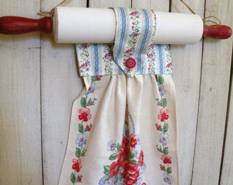 Retro Rolling Pin towel holder with vintage hand made linen towel ECS RDT FVGteam Svfteam
