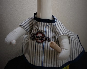 MLB Mikwaukee Brewers Baseball Player Goose Outfit