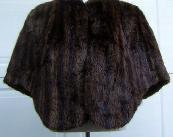 Vintage Real Fur Cape Stole Shrug Wrap Rich Brown Color & Texture Beautiful Condition