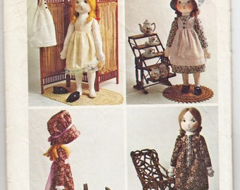 Vintage Sewing Pattern 1970's Holly Hobbie Doll Simplicity 6006