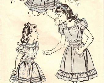 1940s Advance 4248 Vintage Sewing Pattern Girl's Dress, Matching Panties Size 4