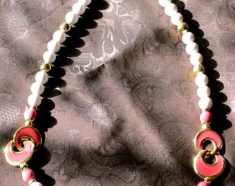 Vintage Jewelry Napier Bead Enamel Necklace Gold Tone Accents Retro