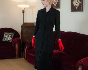 Vintage 1940s Jacket - Elegant Extra Long New Look Tailored Black Gabardine 40s Designer Suit Jacket with Satin Trimmed Collar and Pockets