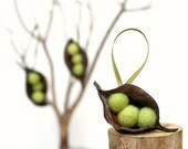 Natural Christmas Ornaments, ONE Pea Decorations, Rustic All Natural Eco Friendly Garden Holiday Decor, Green - 1