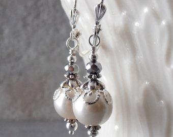 Ivory Bridal Earrings, Off White Pearl Earrings, Ivory Bridesmaid Earrings, Pearl Dangles, Wedding Earings, Ivory Brides Jewelry