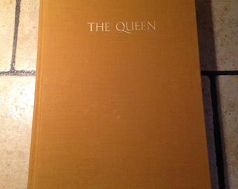 1983 The Queen Vintage Book