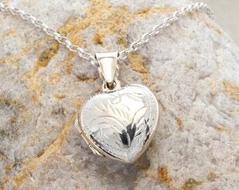 Retro silver heart locket necklace