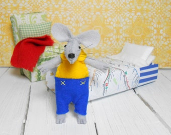 Sleepy plush pre teen gift kids gift felt miniature mouse in matchbox Brooklyn metro map wool felt waldorf miniature animals yellow blue
