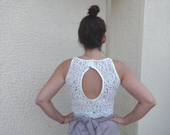 CROP TOP O-Shaped Open Back/Cut Out Back/ Scalloped Cream Lace Sleeveless Halter Style with Satin finishes