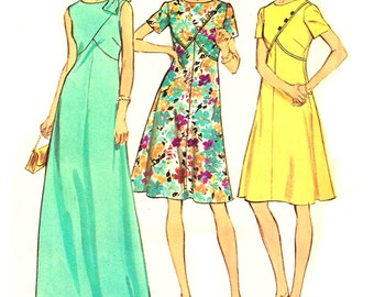 Maxi Dress, Round Neckine, Front Seam Interest Misses Vintage 1970s Simplicity 6395 Sewing Pattern Size 12.5 Bust 35