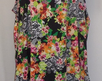 Plus Size Tank Top, Coco and Juan, Lagenlook, Roses and Lace Print Knit Angled, Tank Top, Size 2 Fits 3X,4X Bust  to 60 inches