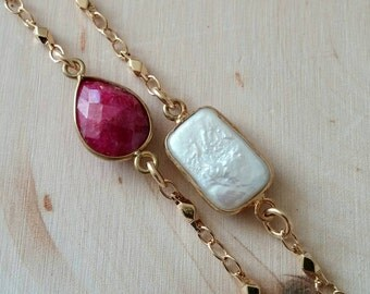 NEW! Red ruby teardrop gemstone and gold bracelet. Minimalist. Stackable. Delicate. Gift. Gold chain. Dainty.