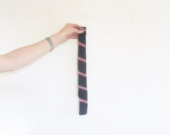 misterslim knit neck tie . navy blue and pink . preppy as it GETS .sale s a l e