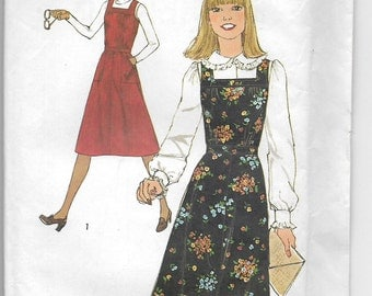 Uncut, Misses Size 10, Vintage 1970s Sewing Pattern, Simplicity 8118, Jumper Dress, Woman, Teen, Gathers, Pockets, Square Neckline, Floral