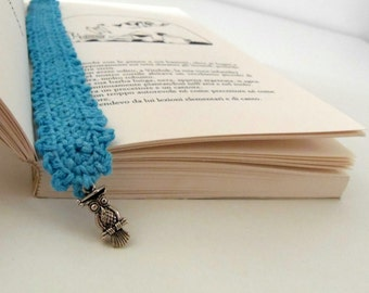 Turquoise bookmark in crocheted cotton with a charm. Owl bookmark in light blue for book lovers