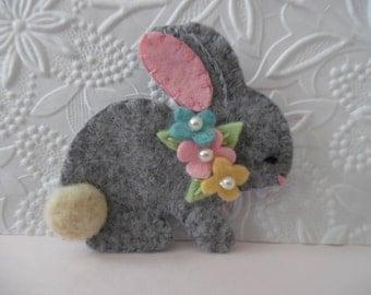 Felt Bunny Brooch Flowers Pin Jewelry Felted Wool Rabbit Needle Felted