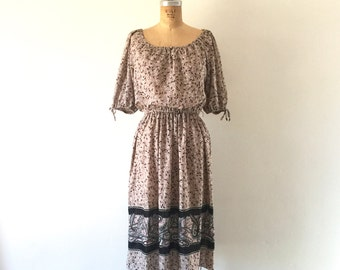 1970s Vintage Dress Floral Paisley Print Blouson Sleeve Boho Midi Dress S