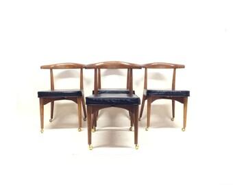Set of 4 MCM Chairs In Black Vinyl