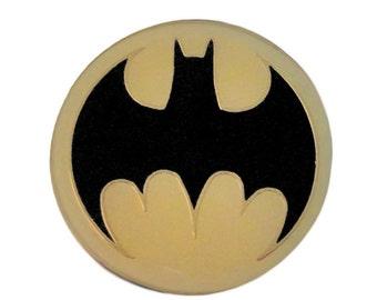 BATMAN Emblem 1989 DC Comics lapel vintage enamel pin badge batsignal NOS