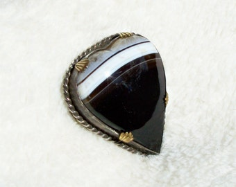 Victorian Banded Agate Brooch Heart Shape Black White Scottish Sterling Silver Gold 1800's Antique