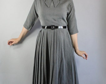 Vintage 1950s 50s Women's Gray Fall Winter Wear to Work Office Professional Day Dress