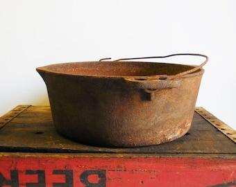 Antique cast iron Pot Kettle  w/ Handle Rustic farmhouse kitchen camping  Primitive