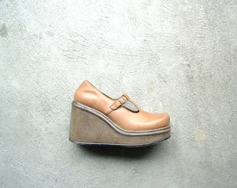 Vintage 90's light tan leather chunky platform mary jane wedges, size 7.5