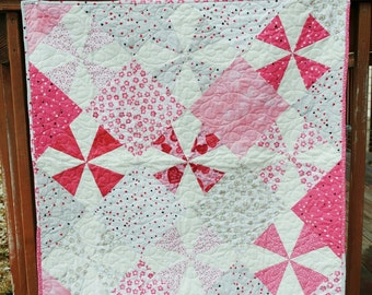 Valentine Themed Quilt- Kiss Me- Pinwheel Pieced Quilt. Triangle Blanket. Triangle Quilt. Red Pink White Quilt. Vday Wall Hanging.