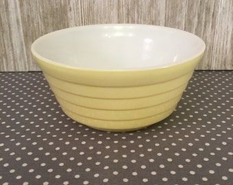 Vintage Pastel YELLOW small glass fruit bowl