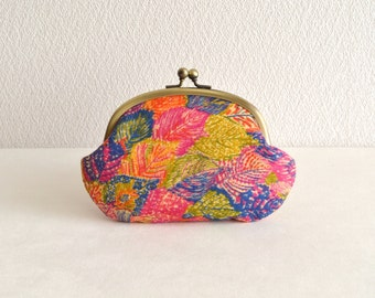 Wool frame purse - Liberty exclusive high quality wool - leaves, art, clasp purse