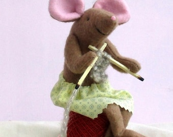 Miss Knitting soft toy mouse sewing pattern