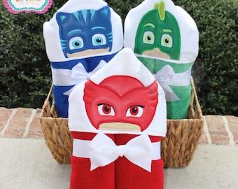 Bedtime Owl , Bedtime Cat, or Bedtime Lizard Hooded Bath Towel - Bedtime Heroes