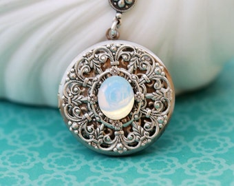 Moonbeam,Locket Necklace,Moonstone Locket, Opal,Bird Silver Locket,Jewelry,October Birthstone Locket,Wedding Necklace,bridesmaid