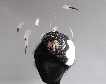 Dutch design off percher white percher hat with lace and two tone feathers on comb