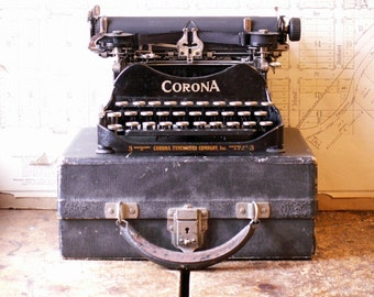 Vintage Portable Corona 3 Folding Typewriter in Original Case - Patented 1917