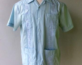 Baby BLUE Men's GUAYABERA Vintage Shirt // Size Med