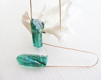 Mystic Emerald Green Earrings - Raw Crystal Quartz Points - Gold Filled - Boho Fashion
