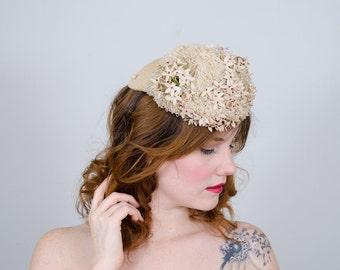 1930s vintage hat / floral tilt hat / Germaine Montabert