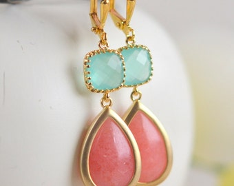 Coral Pink and Mint Aqua Bridesmaid Earrings. Dangle Drop Earrings. Wedding Earrings. Drop Earrings. Modern Fashion Jewelry. Bridal Gift.