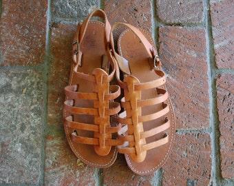 Vintage Womens 10.5 Elen Leather Tan Brown Gladiator Strappy Barefoot Sandals Beach Boho Hipie Gypsy Aztec Made in Greece Greek Goddess Prep