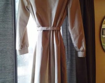 FREE shipping 1970s London Fog Maincoat Trench, Ladies 8 Reg, From Defunct I.Magnin Department Store