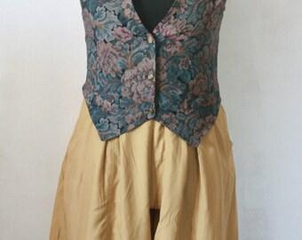 Vintage High Waist Pleated Shorts, Size Large, Mustard Yellow Shorts