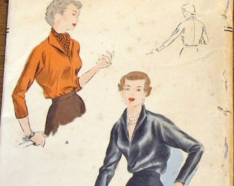 Vogue 6887 Pullover Kimono Sleeve Blouse V Neckline Shawl Collar Women's Misses Easy Vintage 1940s Sewing Pattern Bust 30 Unprinted Complete