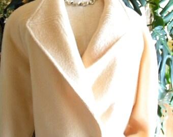 Lovely cream wool coat / stroller