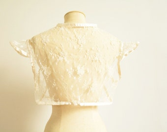 Off white lace bridal shrug size medium - one of a kind